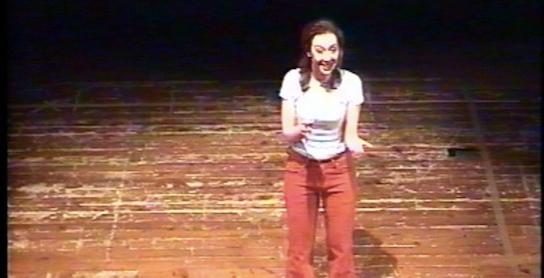 colando-attrice-sul-palco